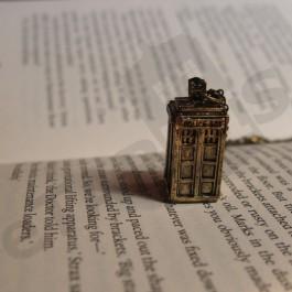 Náhrdelník TARDIS – bronzový